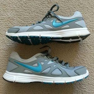 Women's Nike Revolution 2 Size 11